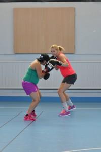 Norah Guzlander vs britt janne Mardal. det går inte sluta boxas oavsett tillstånd